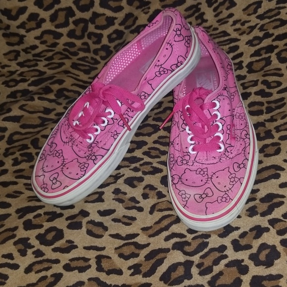 ab95bfbc91 Vans pink Hello kitty sz 8. M 5cac326a7a8173024c79efc3